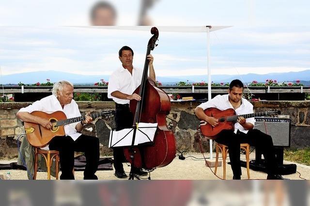 Virtuoser Gypsi-Swing vor malerischer Kulisse