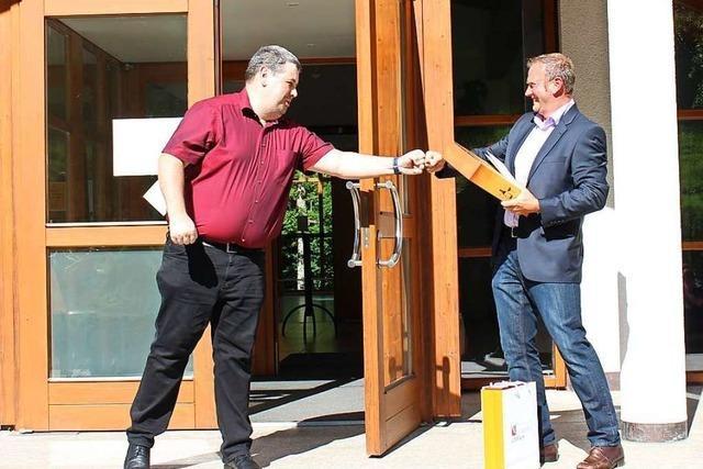 224 Aiterner wählen Manfred Knobel zum Bürgermeister