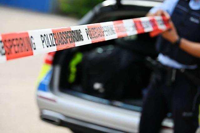 Unfall auf der A98 – Vier Verletzte und fast 100.000 Euro Schaden