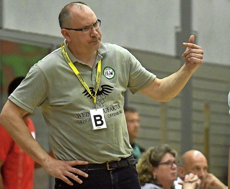 Michael Bohn bat sein junges Team zum Trainingsauftakt.   | Foto: Wolfgang Künstle