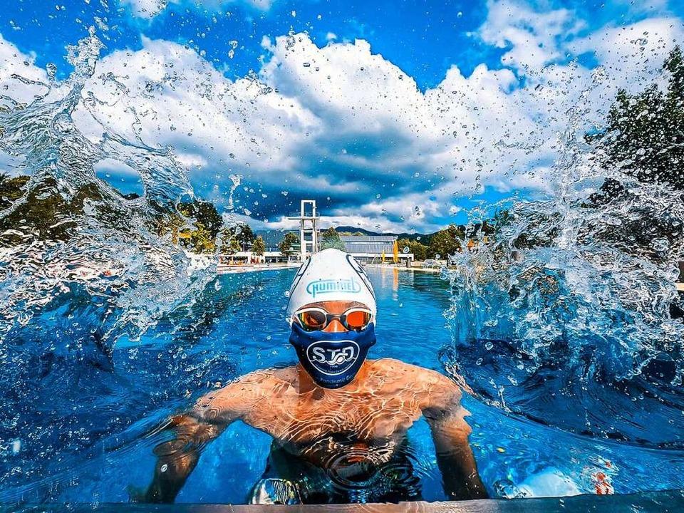 Schwimmen in Corona-Zeiten ist an viel...glich, wie hier im Denzlinger Freibad.  | Foto: Yannik Maier