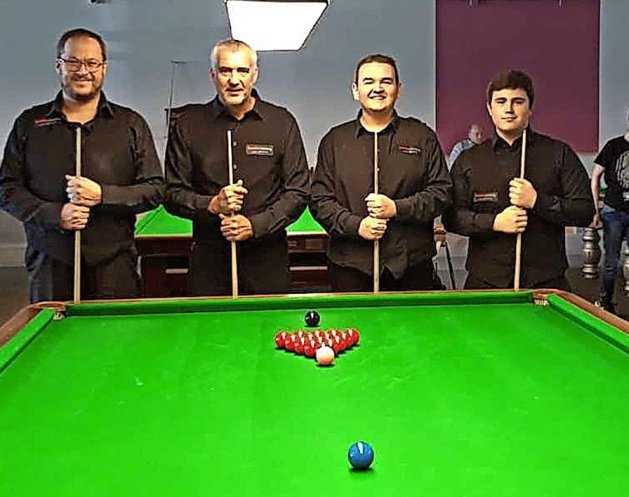 Das Offenburger Snookerteam (von links...agner, Philippe Brand und Noah Kodri.   | Foto: Privat