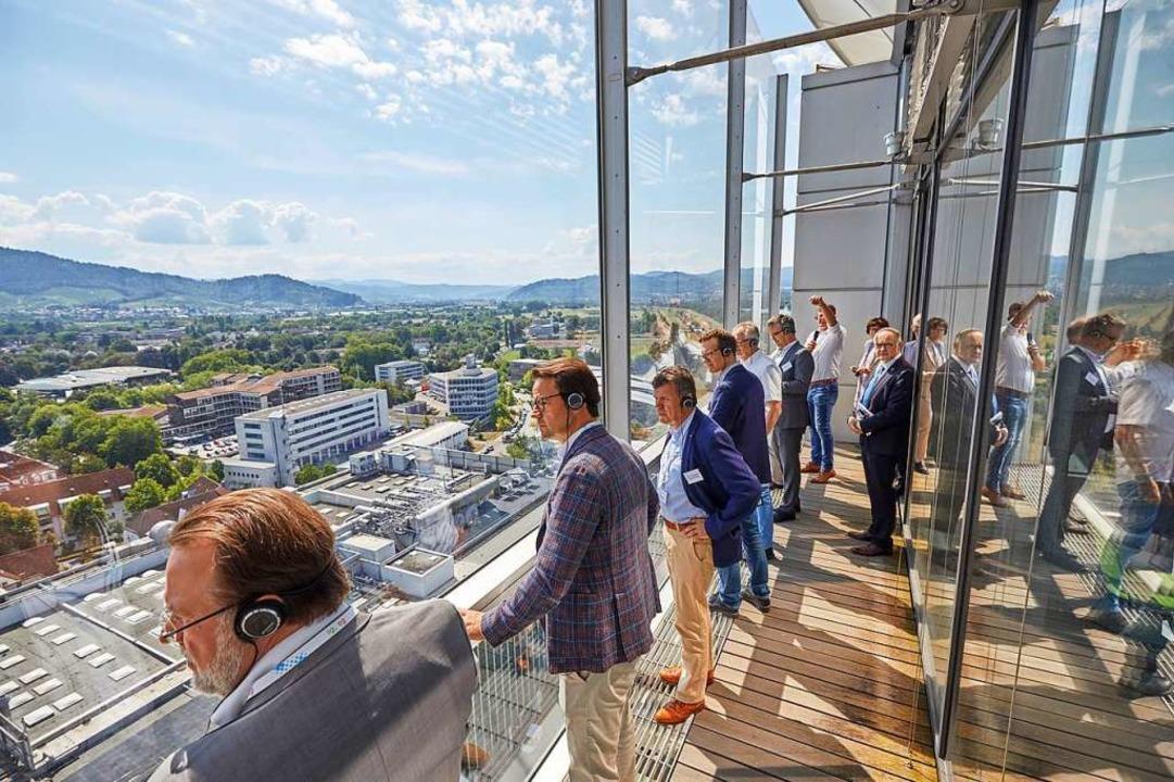 Vom 15. Stockwerk des Burda-Hochhauses... und Oberbürgermeister Marco Steffens.  | Foto: Stadt Offenburg