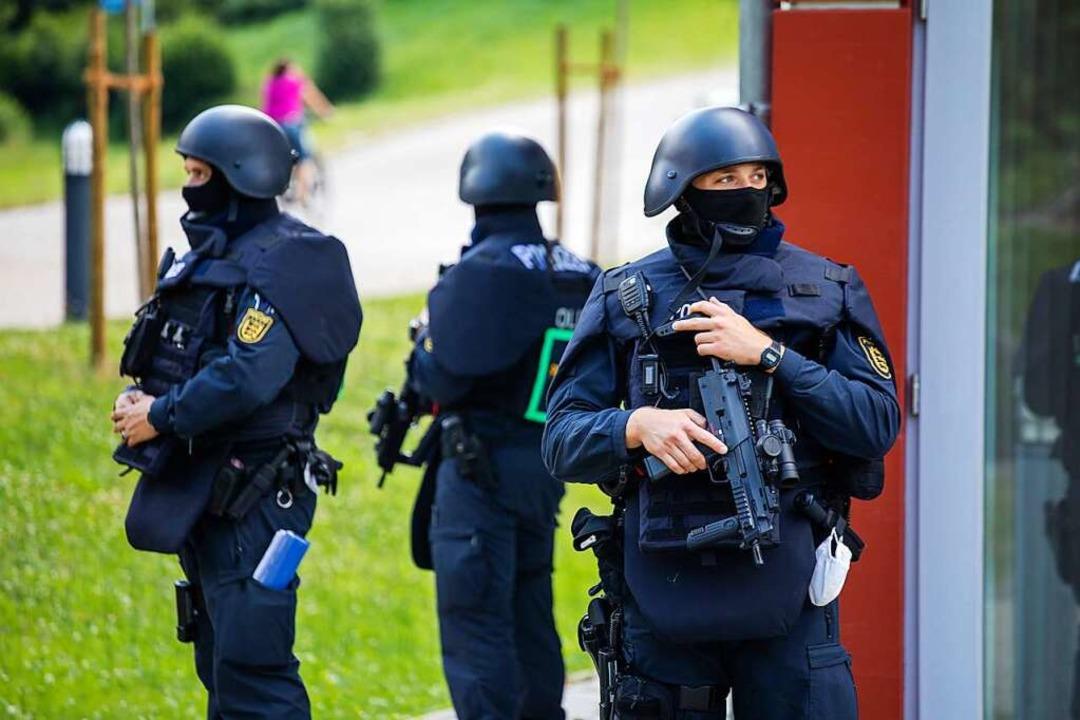 Am Dienstag, 14. Juli, gab die Polizei... in der die Pressekonferenz stattfand.  | Foto: Philipp von Ditfurth (dpa)