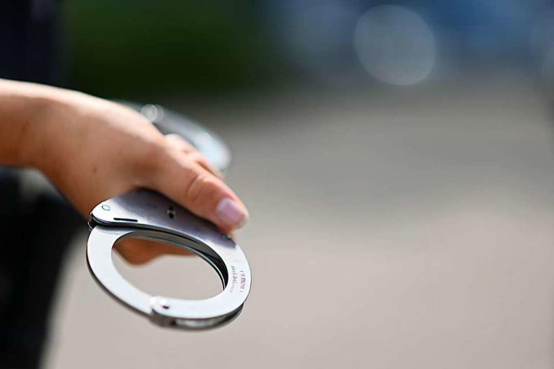 Drei Verdächtige hat die Polizei festgenommen (Symbolbild).  | Foto: Jonas Hirt