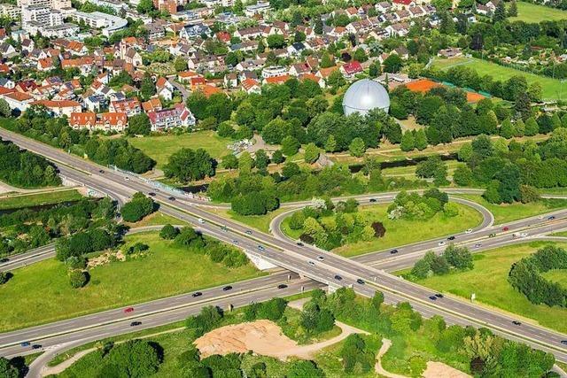 Steinewerfer sollen Auto auf der B31 in Freiburg beschädigt haben