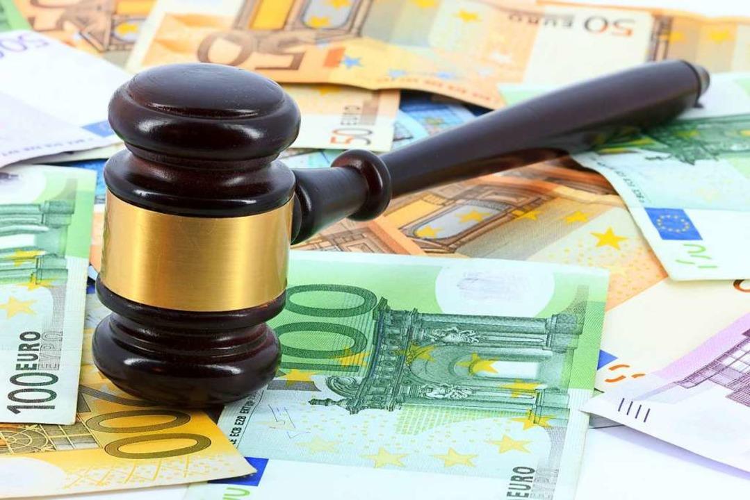 1000 Euro Strafe muss der Angeklagte bezahlen.  | Foto: Vladislav Gajic - Fotolia