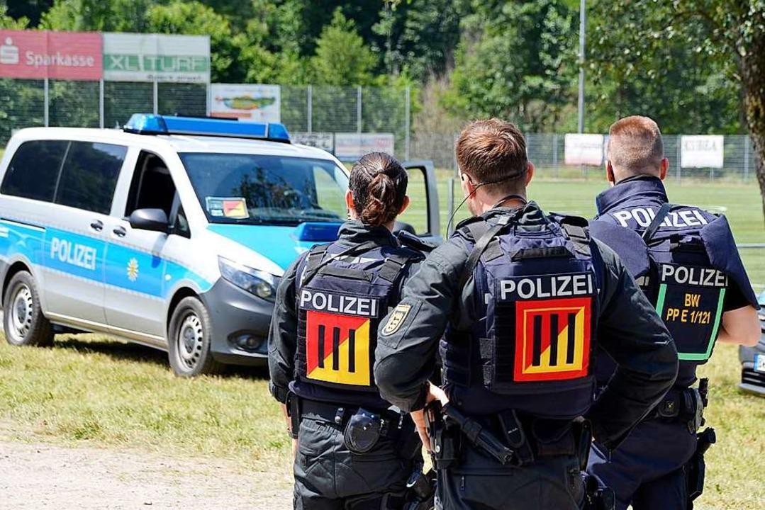 Nach wie vor ist die polizeiliche Präsenz in Oppenau hoch.   | Foto: hrö
