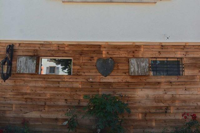Denkmalschutz: Diese Holzfassade an einem Weiler Gasthaus muss weg