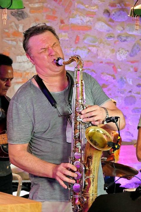 Am Saxophon: Michael Zolg    Foto: Hans-Peter Müller