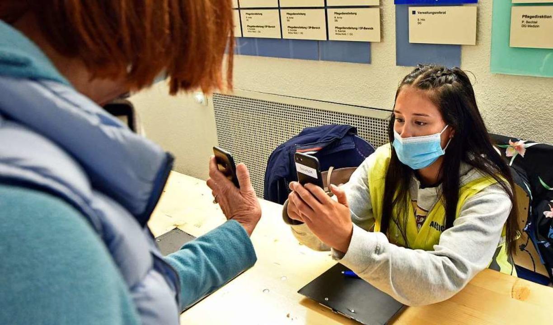 Wer heute in die Uniklinik kommt, dess... eine mögliche Nachverfolgung erfasst.  | Foto: Michael Bamberger