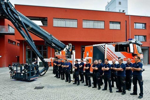 Feuerwehr Freiburg hat eine neue Hubarbeitsbühne bekommen