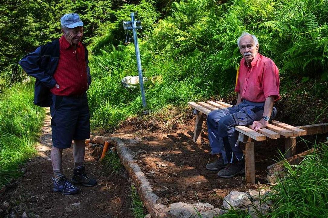 Peter Geiger (links) und Helmut Krebs – auch ein Päuschen muss sein.    Foto: Gabriele Hennicke