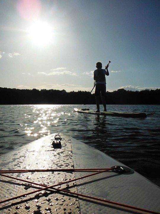 Das Licht wird milder, der See beginnt zu funkeln.    Foto: Ronja Vattes