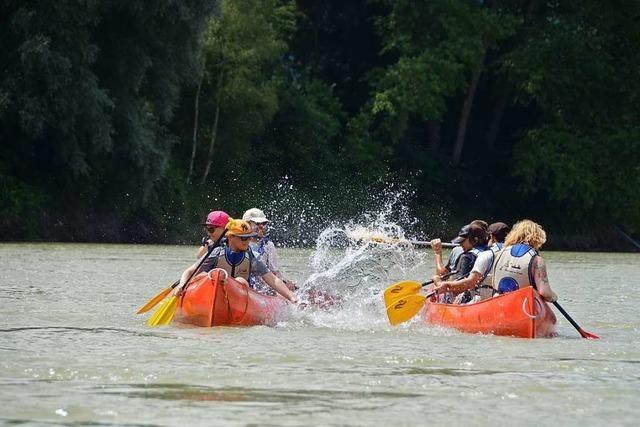 Spaß auf dem Rhein bei Murg ist trotz Corona ungebrochen