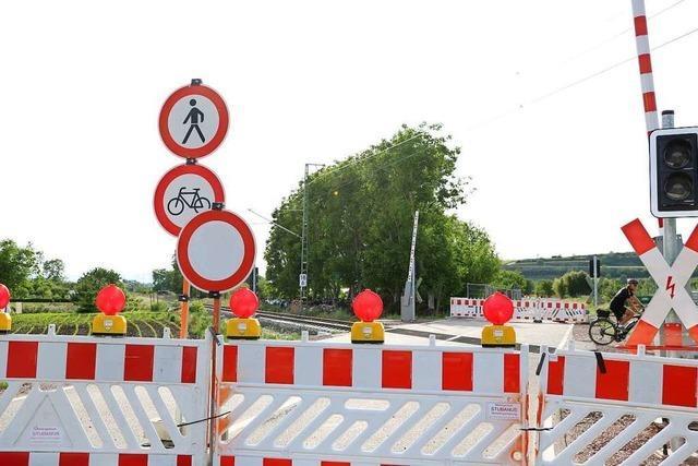 Ihringer haben die Baustelle am Bahnübergang Glänzerweg satt