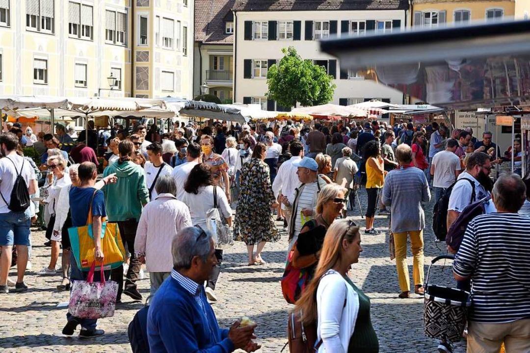 Der Samstagsmarkt auf dem Münstermarkt steht auf der Kippe (Archivbild).  | Foto: Thomas Kunz