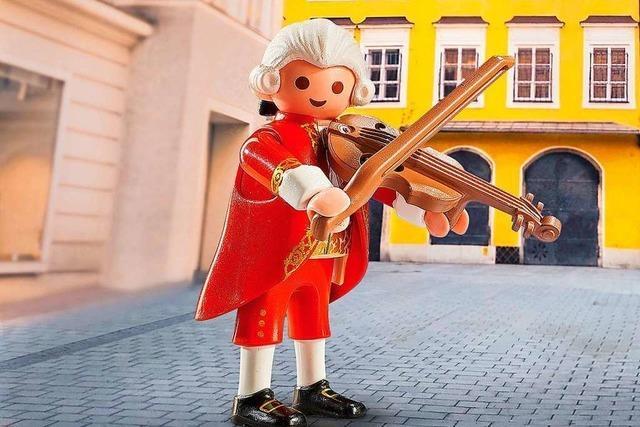 Warum es in der Zeller Touristinfo die Mozartfigur von Playmobil gibt