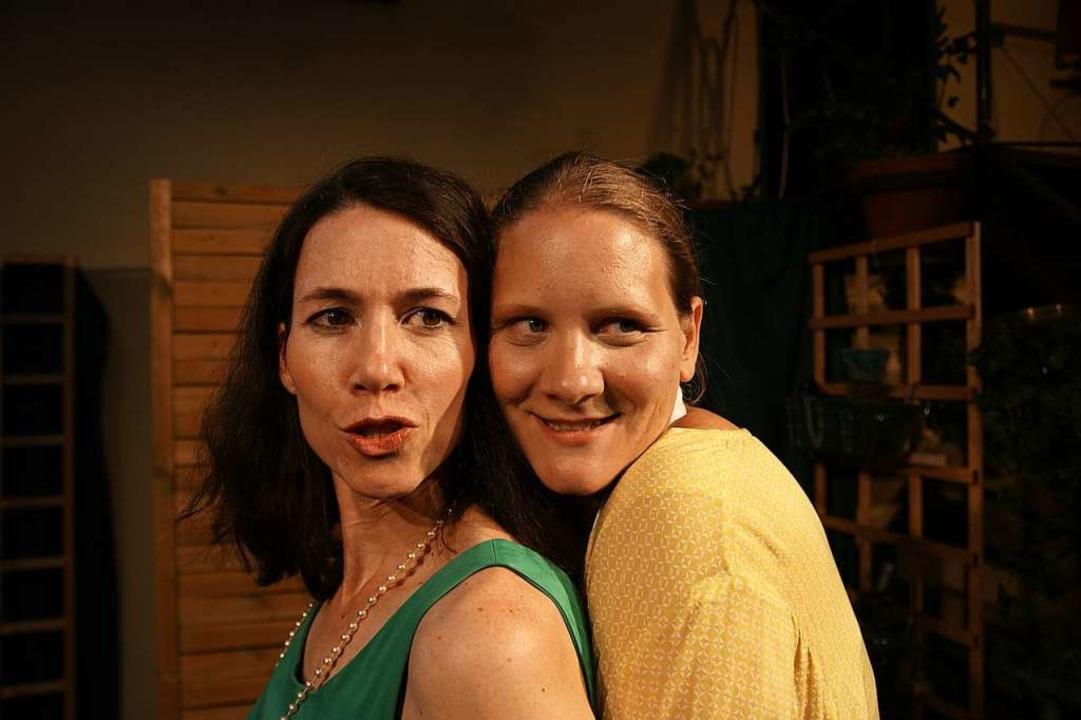 Freches Power-Frauenteam: Celine (Cornelia Schmidt, l.), Anna (Mia Sanner)  | Foto: Barbara Zimmermann, Theater Harrys Depot