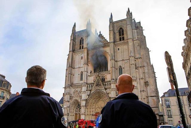 Wieder schockiert der Brand einer Kathedrale die Franzosen