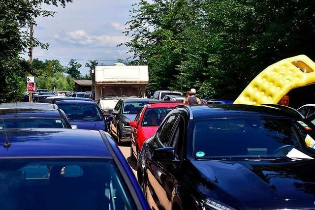 Für Falschparker am Opfinger See gibt es jetzt reichlich Strafzettel