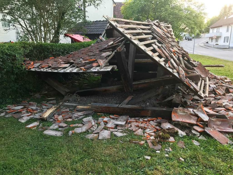 Die historische Trotte in Hertingen st...einem Unfall hineingeschleudert wurde.    Foto: Jutta Schütz