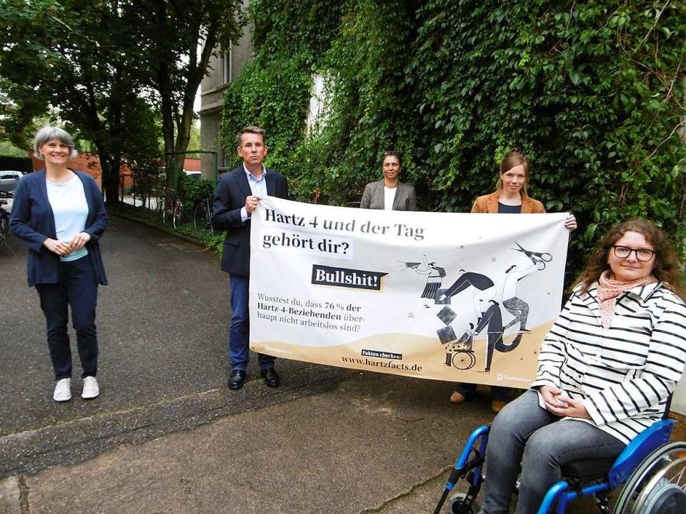 Gemeinsam gegen Klischees (von links):...tischer Wohlfahrtsverband) und Lena D.  | Foto: Anja Bochtler
