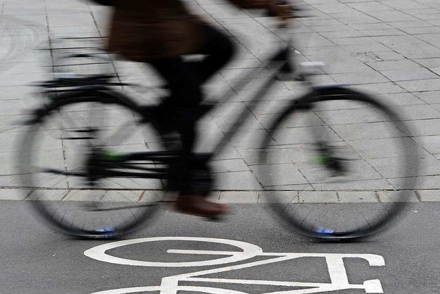 Radfahrer stürzt in Grenzach-Wyhlen