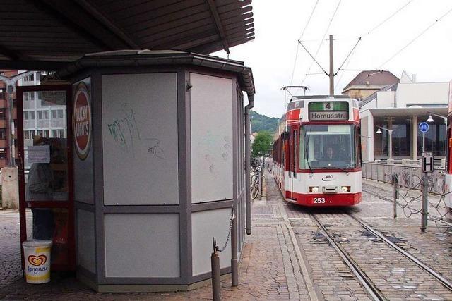 Mann soll 19-Jährige am hellen Tag am Hauptbahnhof Freiburg verletzt haben