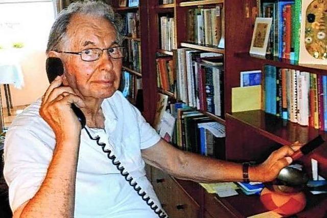 Kaiserstühler erzählt am Telefon Märchen gegen die Corona-Einsamkeit