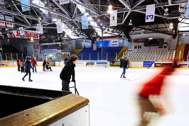 EHC Freiburg ist irritiert, dass das neue Eisstadion auf der Kippe steht