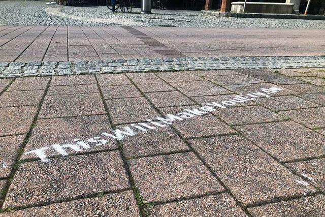 Tierschutz-Aktivisten sorgen in Schopfheim mit Graffiti für Unverständnis im Rathaus