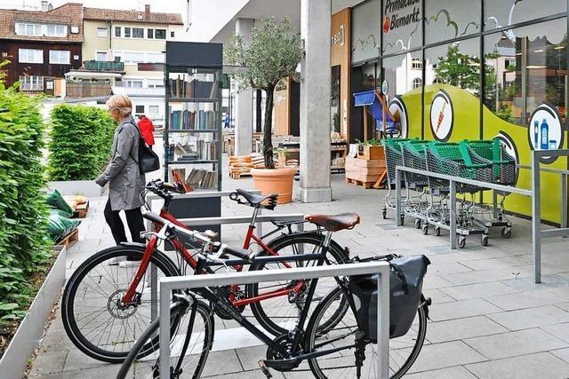 Für Radler gibt es an Lörracher Einkaufsmärkte zu wenig Parkmöglichkeiten
