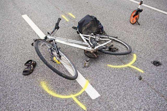 Ein Kind stürzt in Bad Säckingen mit dem Fahrrad und verletzt sich dabei schwer