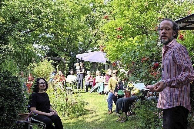 Entspannte Klänge im sommerlichen Gartengrün