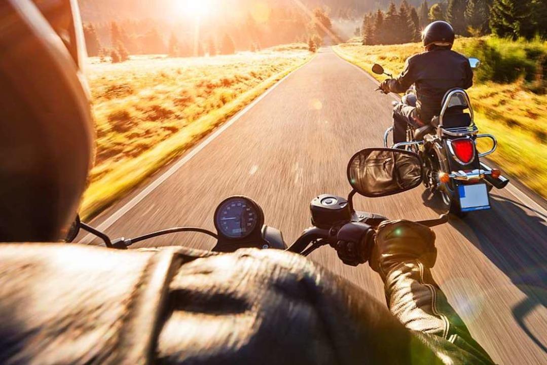 Schnell muss nicht laut sein, sagen einige Motorradfahrer.  | Foto: Stock Adobe