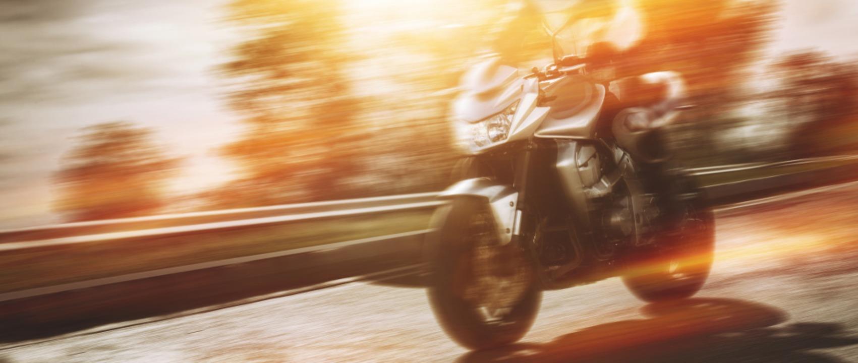Zu laut? Nicht alle Motorradfahrer hal...eln und nehmen Rücksicht auf Anwohner.  | Foto: m.mphoto / stock.a.dobe.com