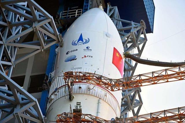 China startet Rakete für seine erste Landung auf dem Mars