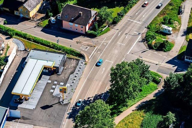 Die Ampel an der B 3 in Altdorf kommt noch in diesem Jahr