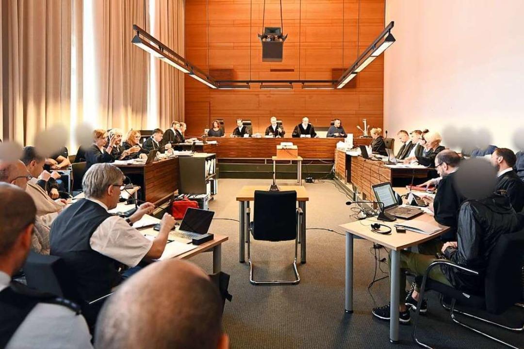 Für das Verfahren mit elf Angeklagten ...g bauliche Maßnahmen getroffen werden.  | Foto: Patrick Seeger (dpa)