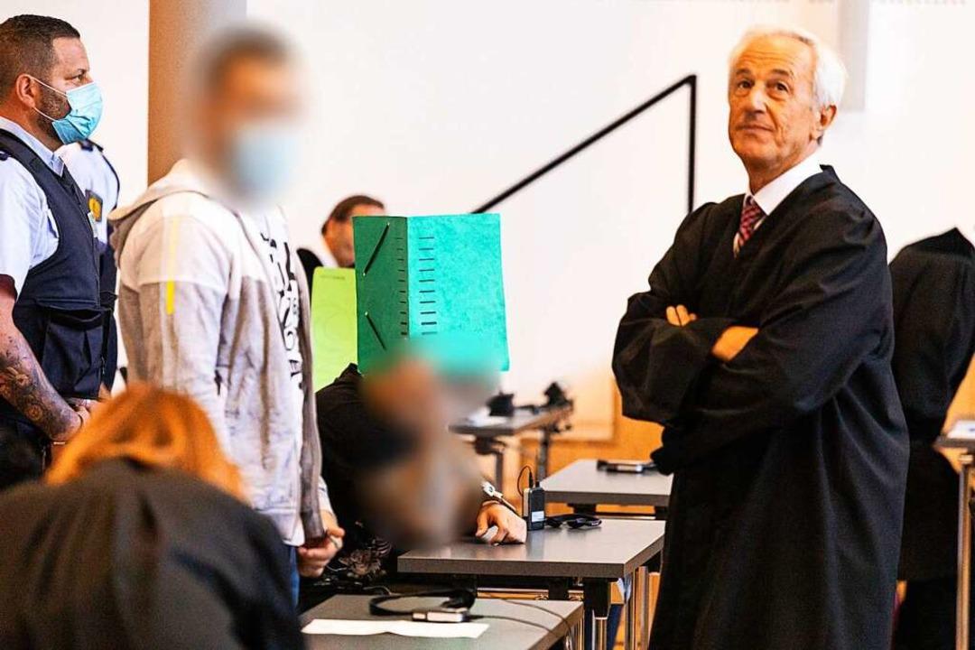 Majd H., der Haupttäter, mit seinem Verteidiger Jörg Ritzel.    Foto: Philipp von Ditfurth (dpa)