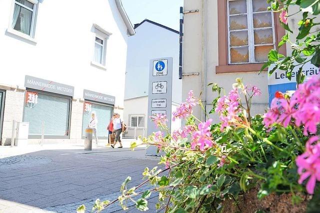 Die Fußgängerzone Scheffelstraße in Schopfheim wird grüner