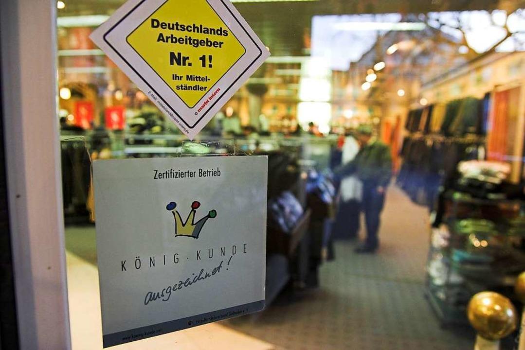 Um König Kunde wirbt der Handel in End...t Unterstützung beim Marketing helfen.  | Foto: Martin Wendel