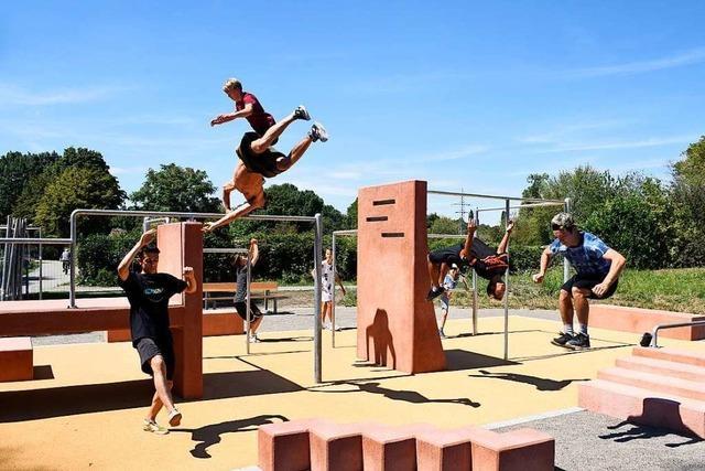 Freiburgs erster Parkour-Platz hat im Dietenbachpark eröffnet