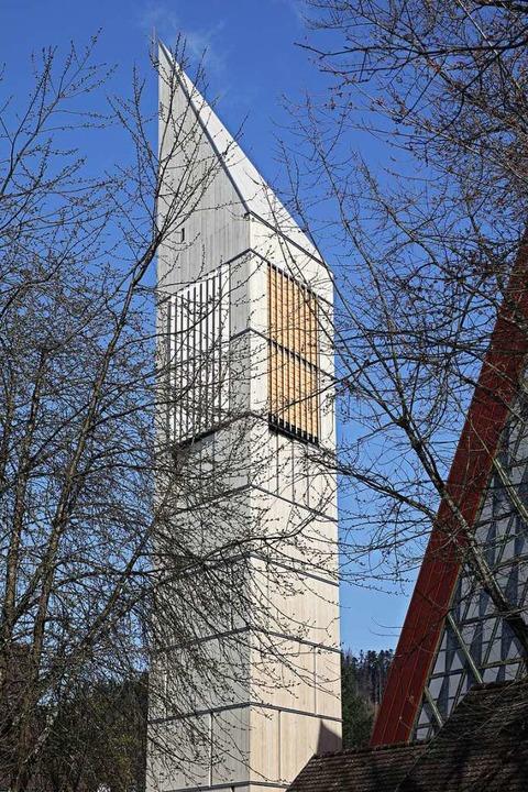 Der neue Bleibacher Kirchturm aus Holz.  | Foto: Architektur3