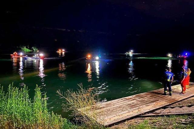 120 Einsatzkräfte suchen nach zwei Vermissten im Rhein bei Bad Säckingen