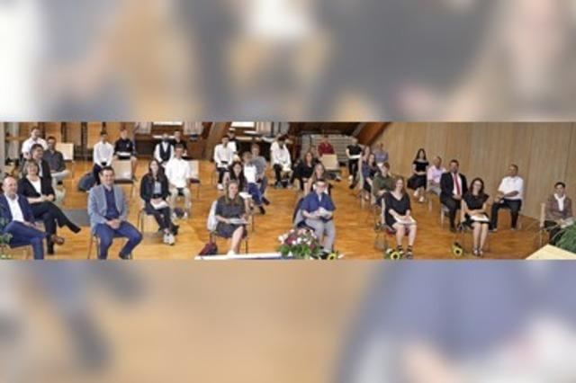 Rektorin ist stolz auf die Schulabgänger