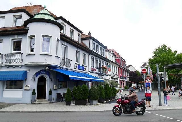 Entscheidung vertagt – Ensembleschutz für Steffen-Häuser wird geprüft