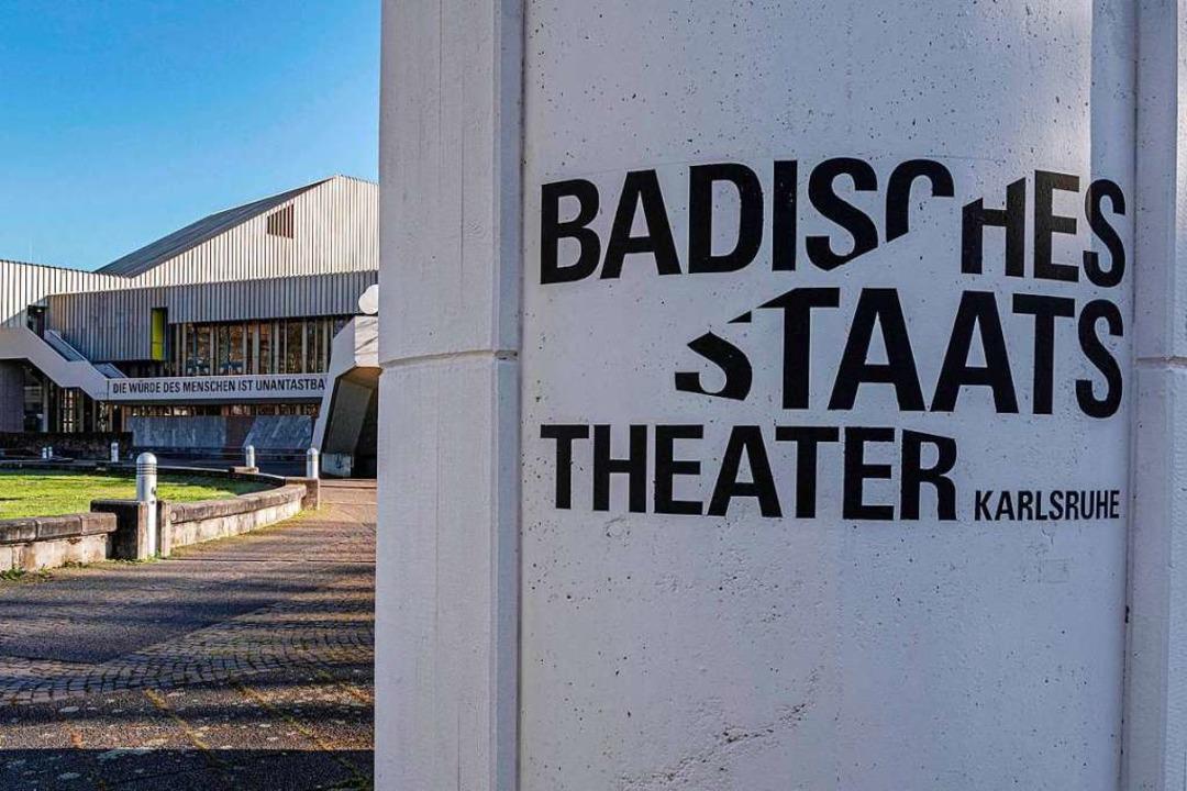 Sanierungsfall? Das Badischen Staatstheater in Karlsruhe  | Foto: Uli Deck (dpa)