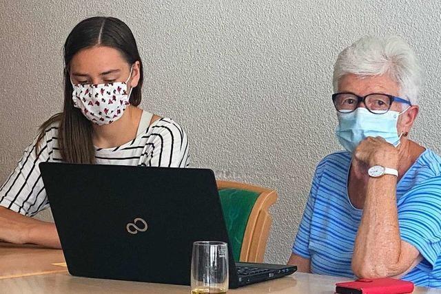 In Schopfheim nehmen Schüler Senioren die Angst vor dem Internet
